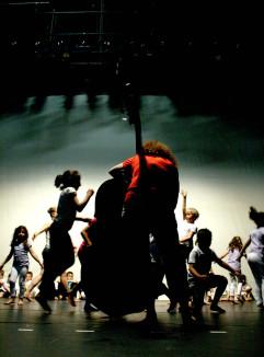 Lors des ateliers pour le dispositif La danse c'est classe !