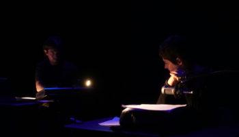 Vincent Hours et Camille Carraz dans Noir et humide